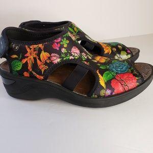 4fa50d1b1a96 BZees. Bzees Dream Black Floral Printed Fabric Sandal